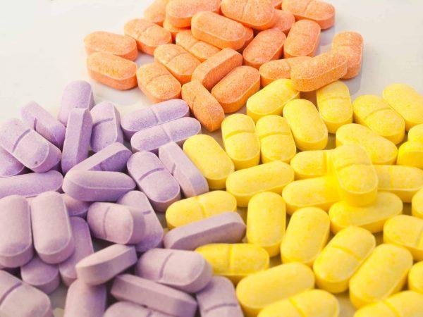 3 Sorten bunte Tabletten