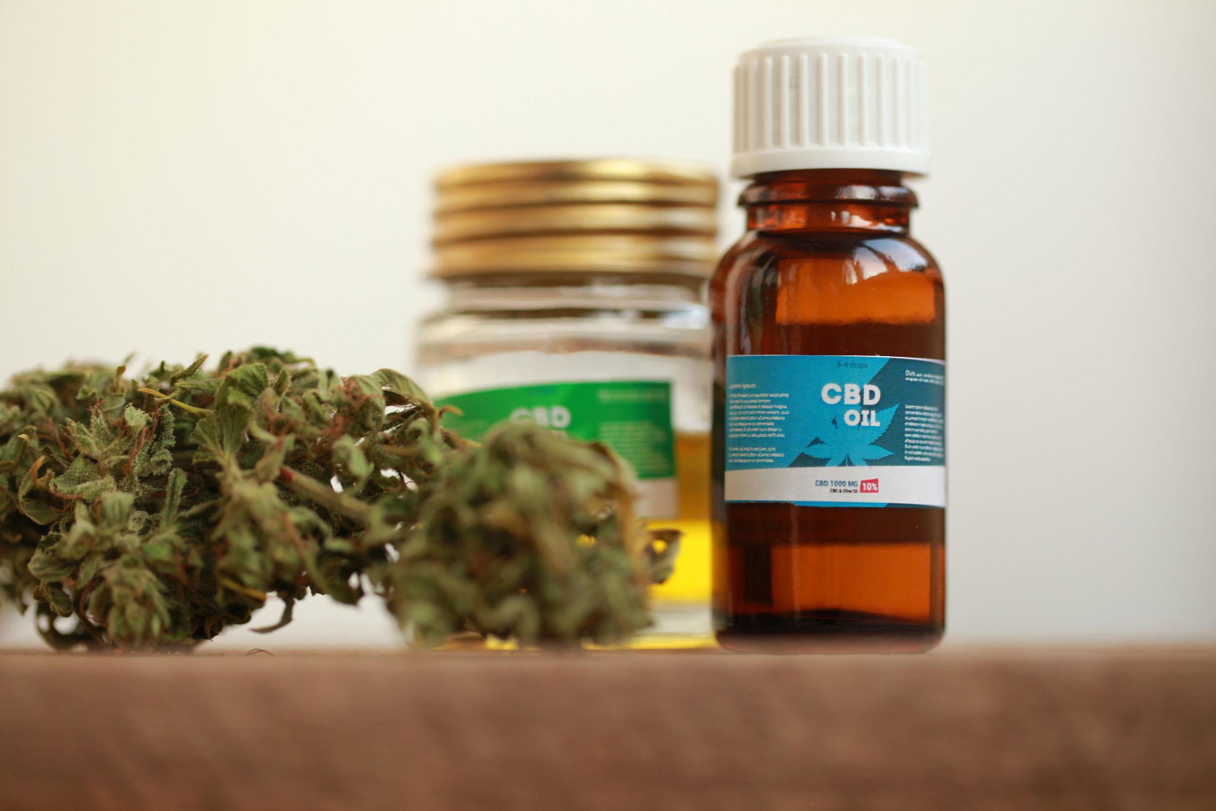 CBD Öl 10%: Test, Wirkung, Anwendung & Studien (09/20)